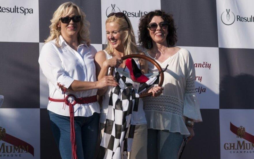 Vairuojančių moterų asociacijos pristatymas