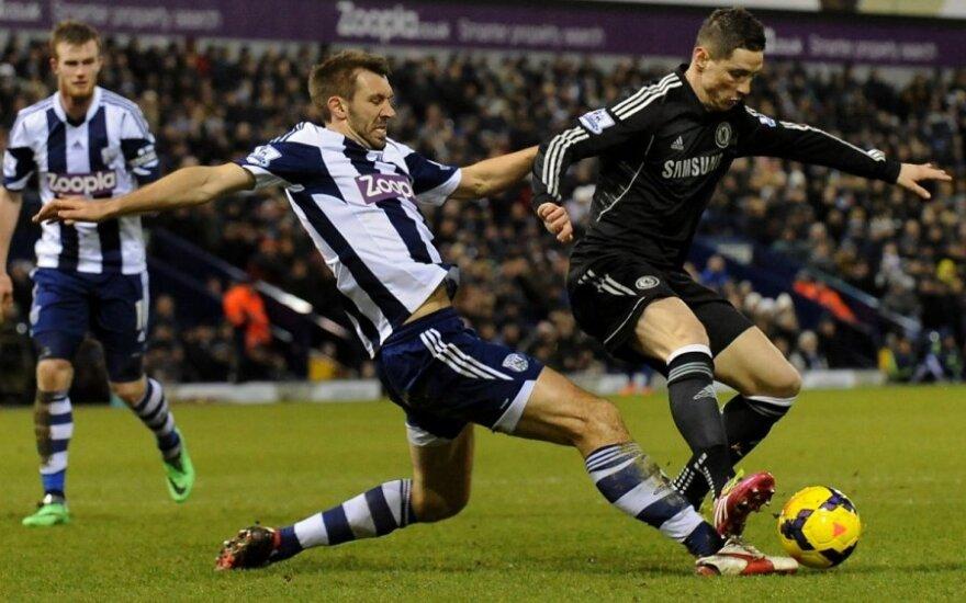 """Garethas McAuley, (WBA) kovoja su Fernando Torresu (""""Chelsea"""")"""