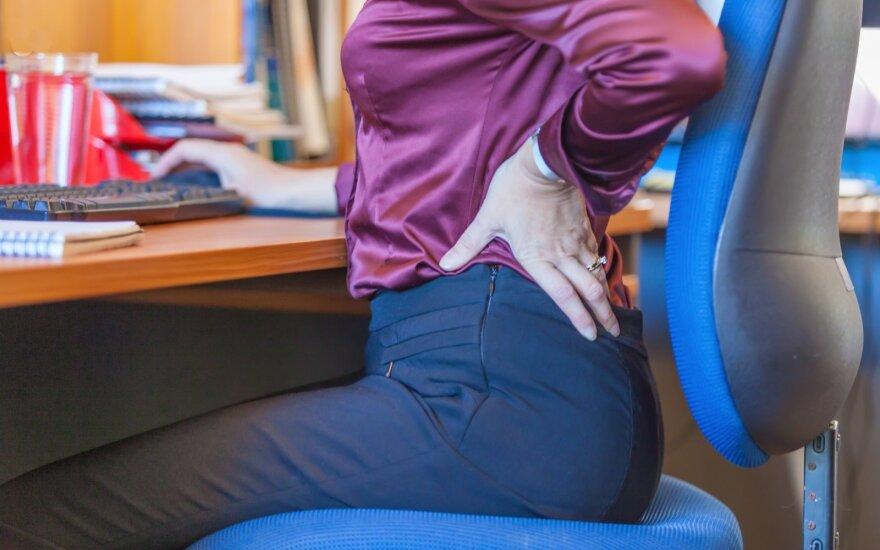 Sėdimo darbo pasekmės: 5 būdai kovoti su kaklo ir nugaros skausmais