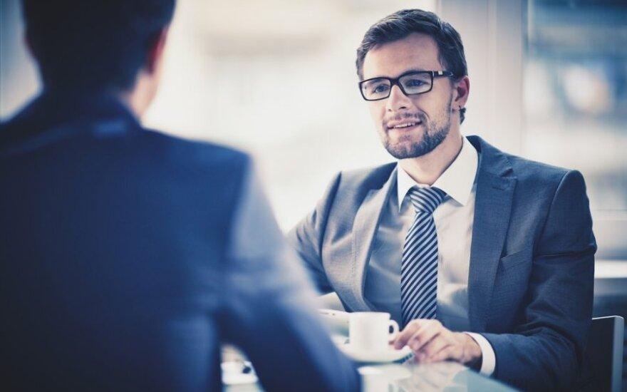Geriau dažnai keisti darbus ar ilgai dirbti vienoje įmonėje?