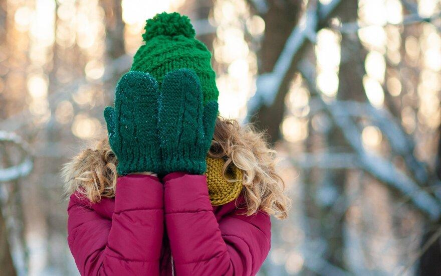Kaip visai nesudėtingai pasisiūti pirštines iš seno megztinio