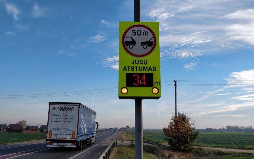"""""""Via Baltica"""" kelyje įrengta atstumą tarp automobilių matuojanti sistema"""