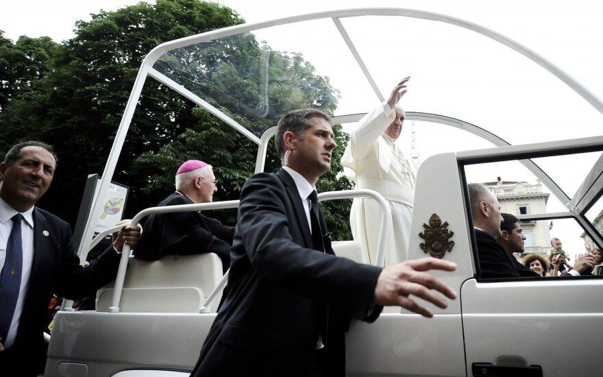 Monsinjoras Makrickas: popiežius Pranciškus įvedė naujovę savo delegacijose