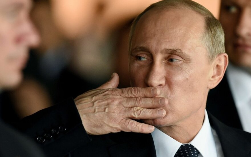 Rusija imasi veiksmų: pirmasis atsakas į Vakarų sankcijas