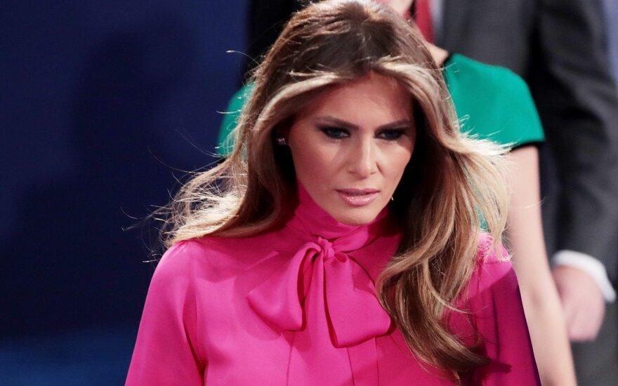 M. Trump – savo noru kalinti pasakų princesė: į pasaulį žvelgia tik pro stiklą