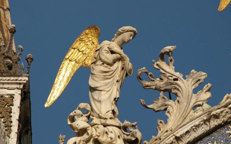 Angelai tarp mūsų. Kada kviesti drąsos, kada – aistros ir kantrybės angelą