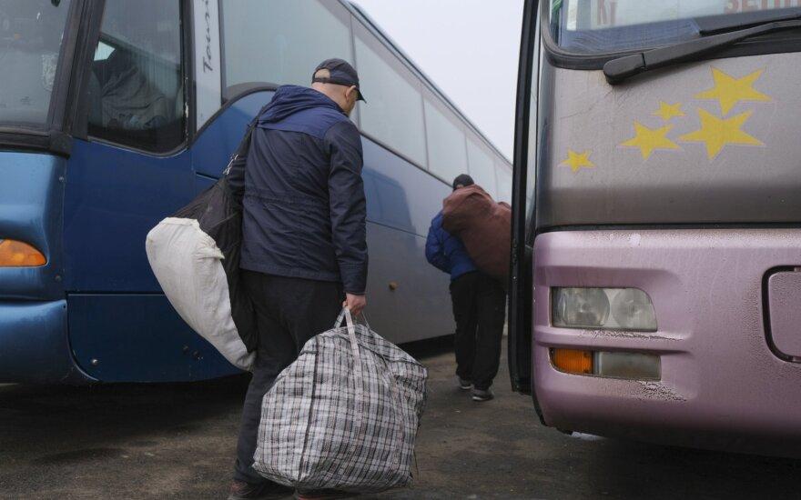 """""""Luhansko liaudies respublika"""" perdavė Kijevui 25 žmones"""