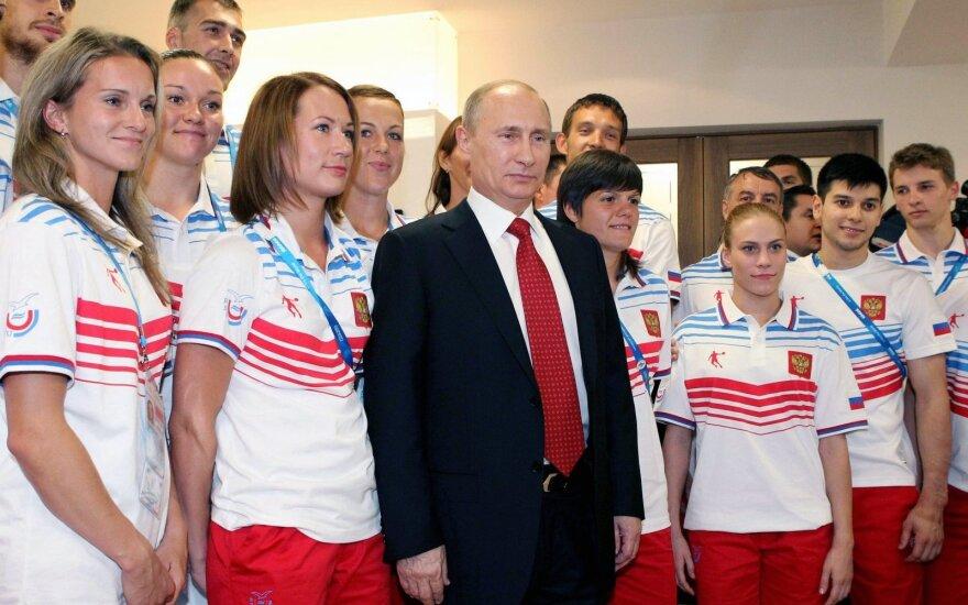 Vladimiras Putinas pozuoja su Rusijos sportininkais
