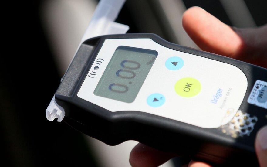VRM apsisprendė dėl 0 promilių siūlymo visiems vairuotojams
