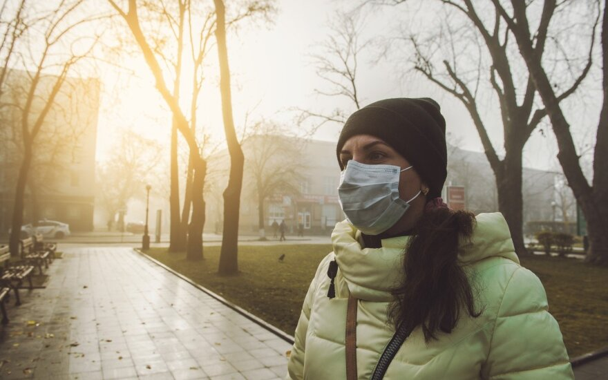 Oro taršos grėsmė – rimti sveikatos sutrikimai: apsauginės kaukės gali pridaryti bėdos