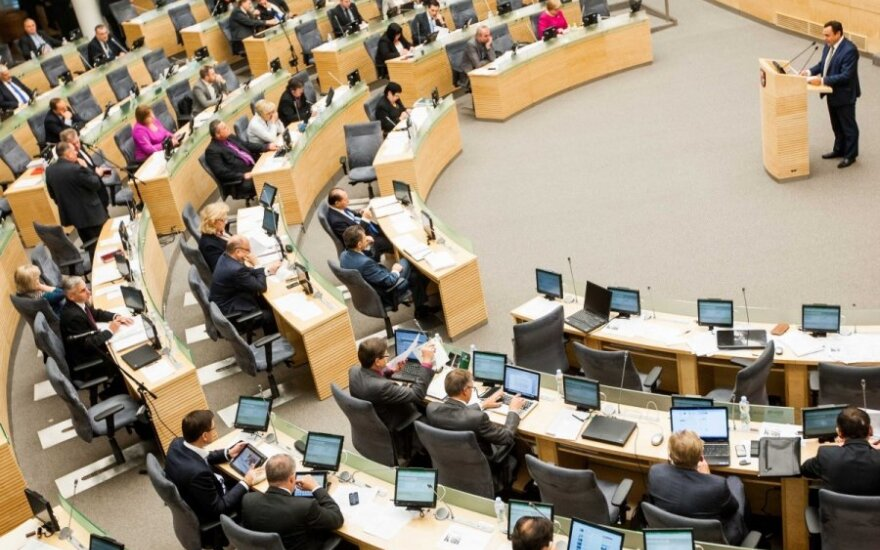 Seimas plans emigration commission