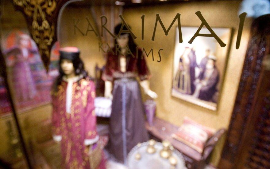 Vertybių sąrašą papildė vėtrungės, karaimų vestuvių tradicija, pirčių lankymas