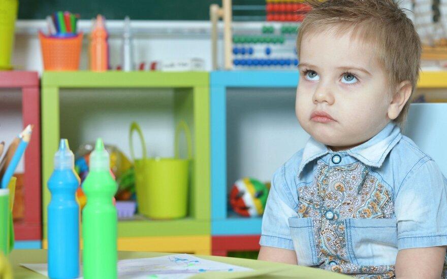 Landsbergienės darželio reakcija į neigiamą nuomonę: išdrįsusios sukritikuoti mamos vaikus meta lauk