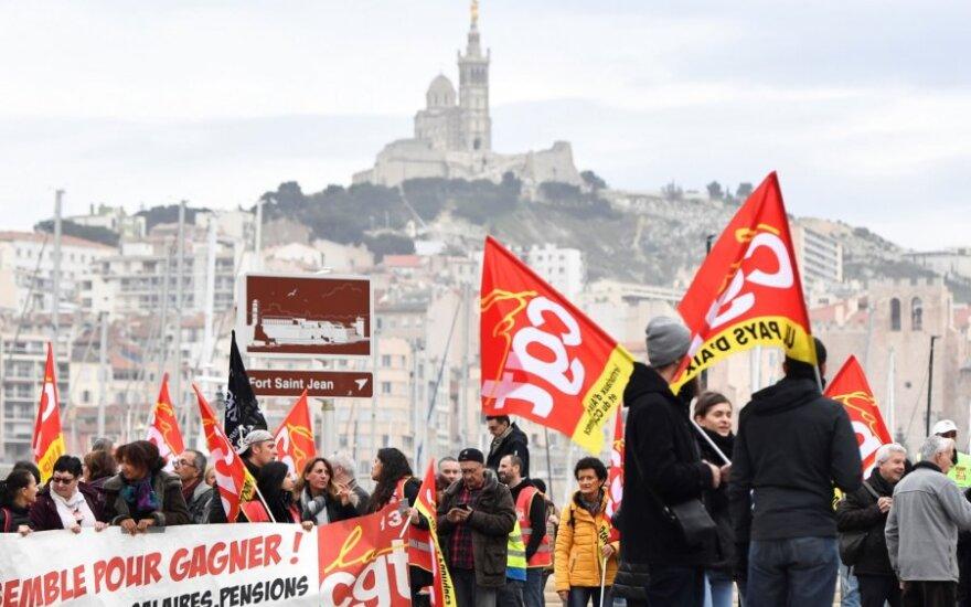 Iš pareigų traukiasi Prancūzijos pensijų komisaras