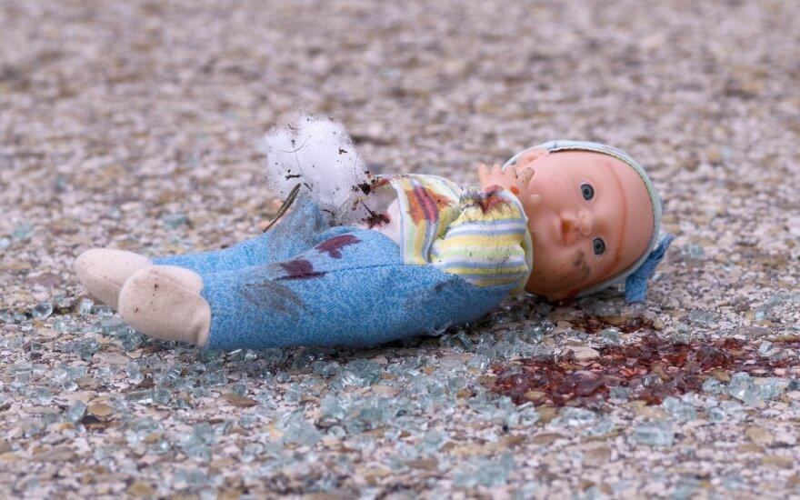 Keturmečio tragedijos įsiutinta moteris – kas čia vyksta?