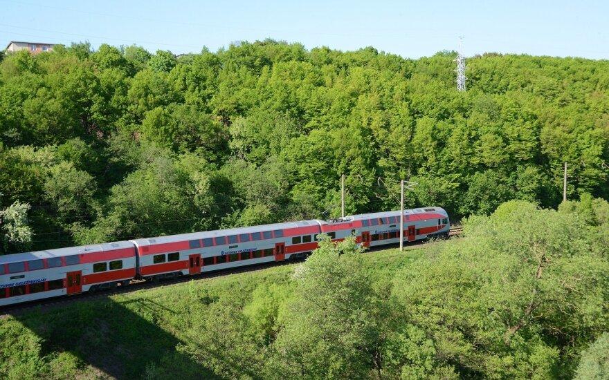 """Įsiutino """"Lietuvos geležinkelių"""" sprendimas kelti kainas: noriu skelbti boikotą"""