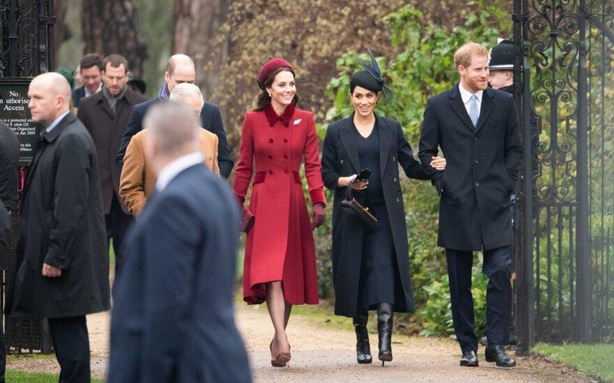 Karališkoji šeima atvyko į Kalėdų mišias