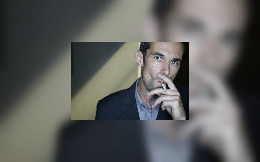 Belgas teisėjas siekia, kad ES būtų uždrausta pardavinėti cigaretes