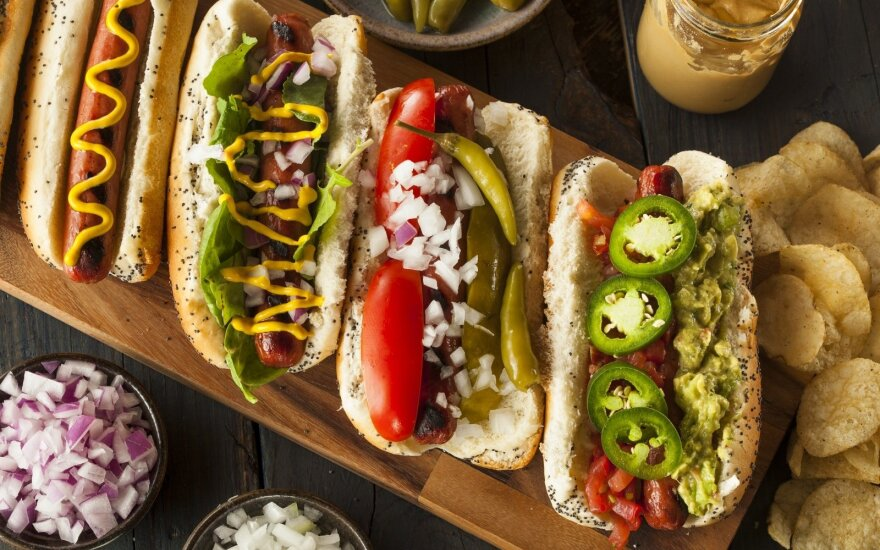 Enjoying burgers and hot dogs without concerns: 5 Lithuanian chef's tips for a long weekend's menu