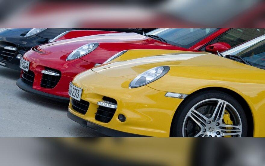 JAV automobilių pramonė atsigauna