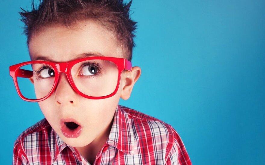 Sutriko vaiko regėjimas? Priežastys gali slėptis tėvų elgesyje