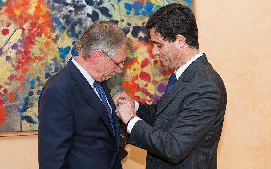 French Ambassador Jeantaud bestows the Legion of honour on Gediminas Kirkilas Photo Ludo Segers