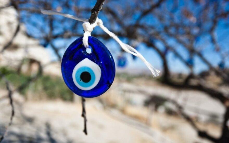 Kaip sukurti laimę nešantį amuletą?