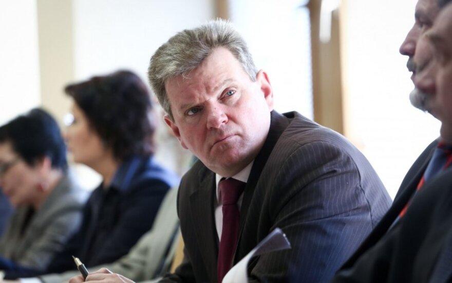 Lietuvos politikui apmokėta komandiruotė į Lenkijos ir JAV dvišalį renginį už Atlanto