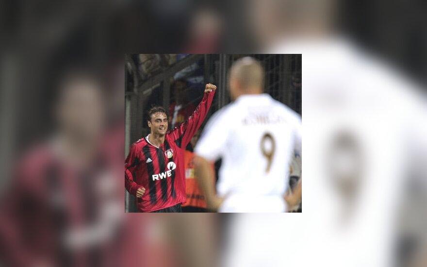 """Dimitaras Berbatovas (""""Bayer"""") džiaugiasi, Ronaldo (""""Real"""") klubas sutriuškintas"""