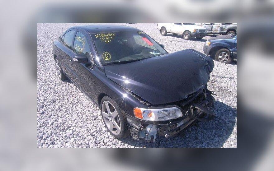 """JAV aukcione parduotas daužtas """"Volvo"""" (asociatyvi nuotr.)"""