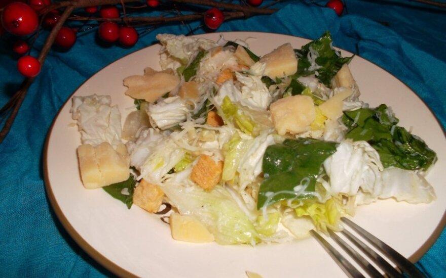 Žaliosios salotos su Džiugo sūriu