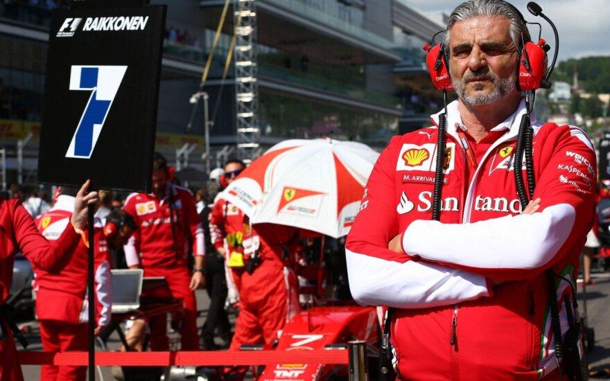 """""""Ferrari"""" komanda nesitraukia iš kovos dėl čempionės titulo"""