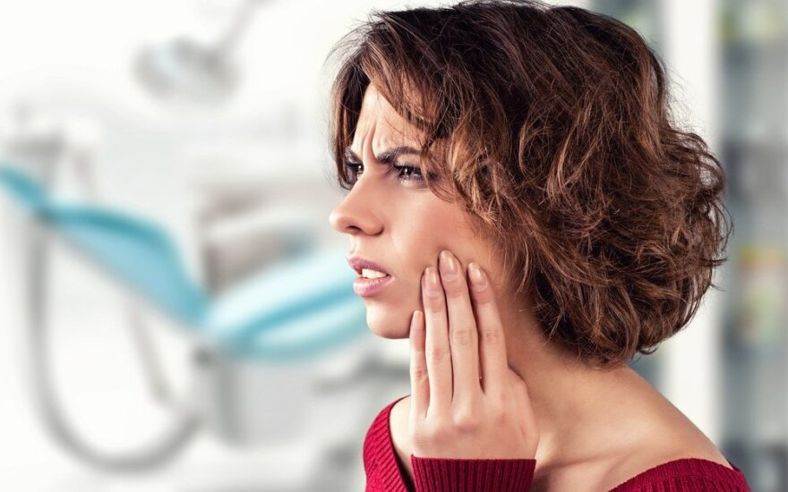 Žema oro temperatūra gali tapti rimtu išbandymu dantims