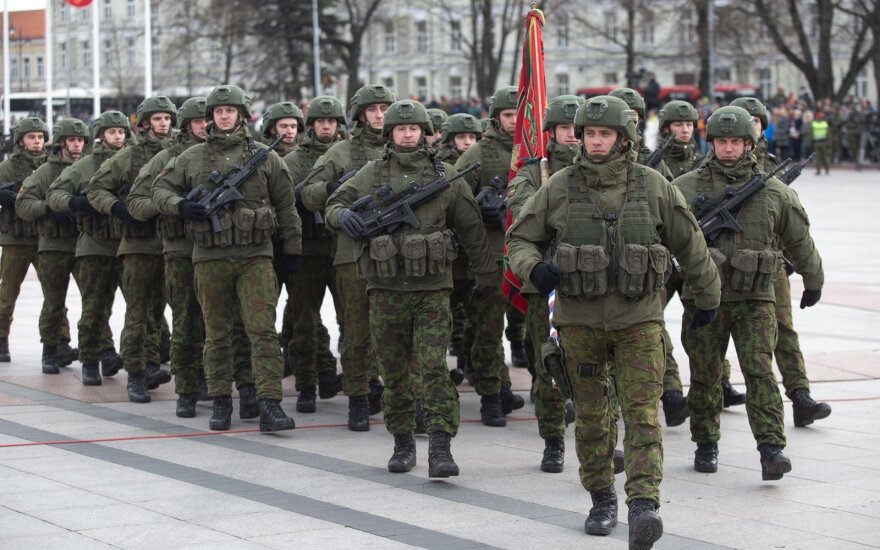 Pakitusią retoriką dėl gynybos finansavimo sieja su artėjančiais rinkimais