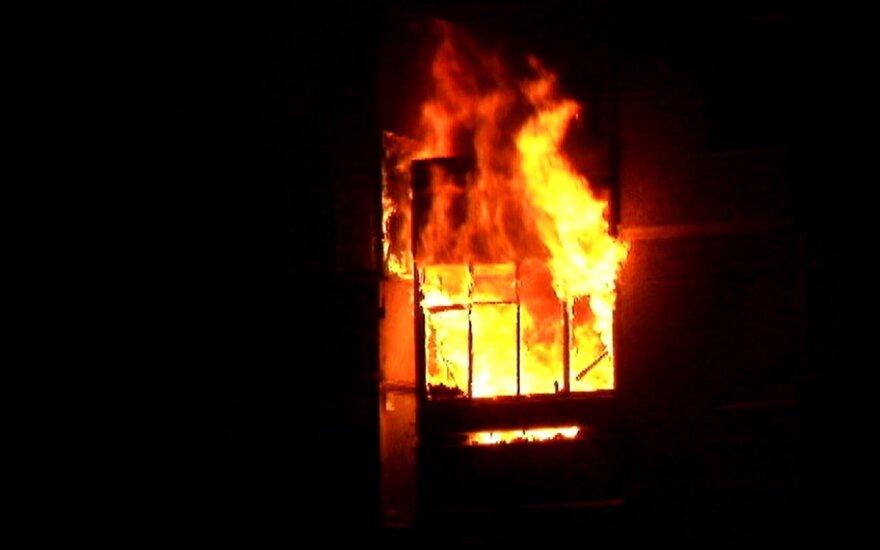 Vilniaus daugiabutyje kilo gaisras