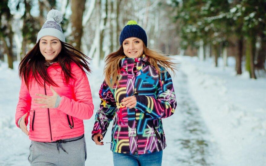 Moterys bėga