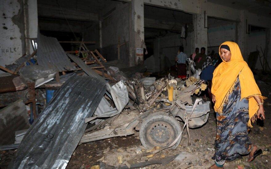 Somalio sostinėje prie restorano nugriaudėjo sprogimas, aidi šūviai