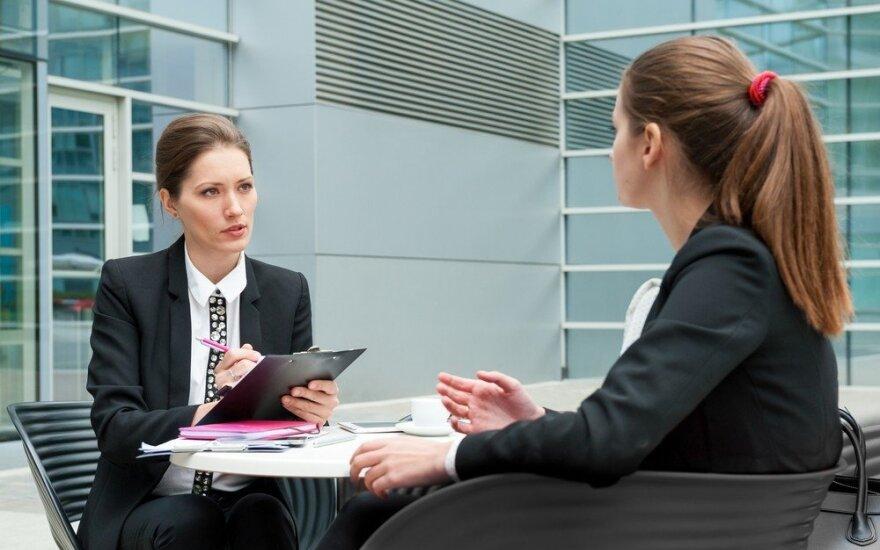 Jauna mergina ilgai ieško darbo – nesupranta, ko reikia verslininkams