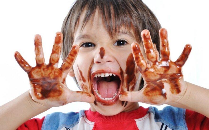 Pasakė, nuo kada mažiems vaikams galima duoti šokolado