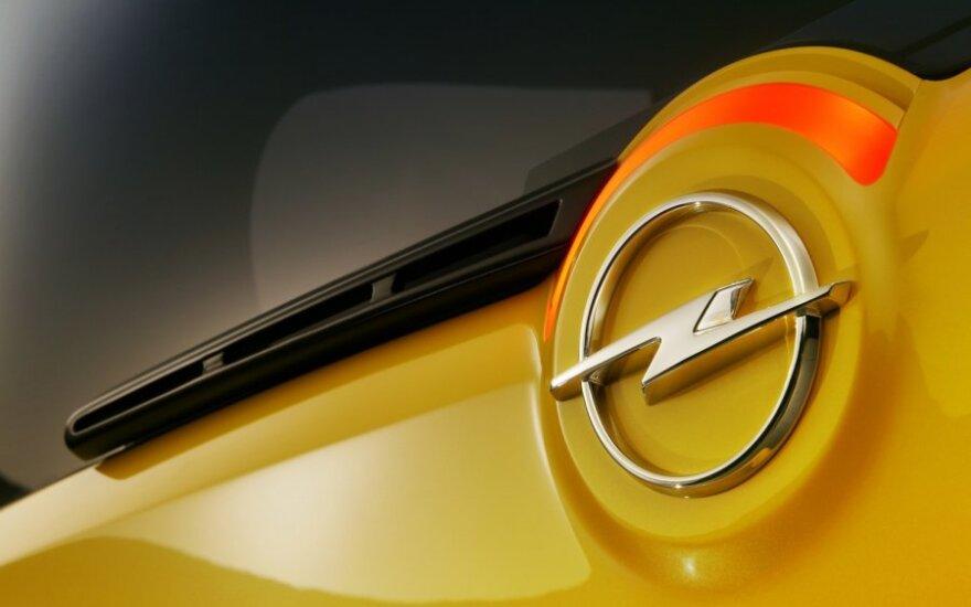 """General Motors"" neigia gandus, kad parduoda ""Opel"""