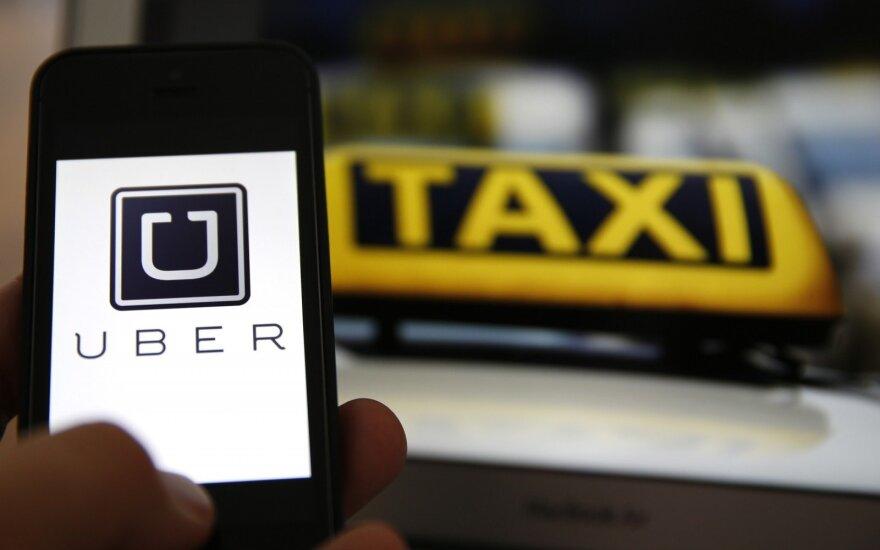 """Spaudžiamas akcininkų traukiasi """"Uber"""" generalinis direktorius"""