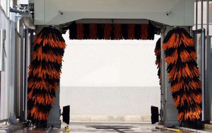 Plovyklų atstovai paaiškino, kaip žiemą prižiūrėti automobilio kėbulą