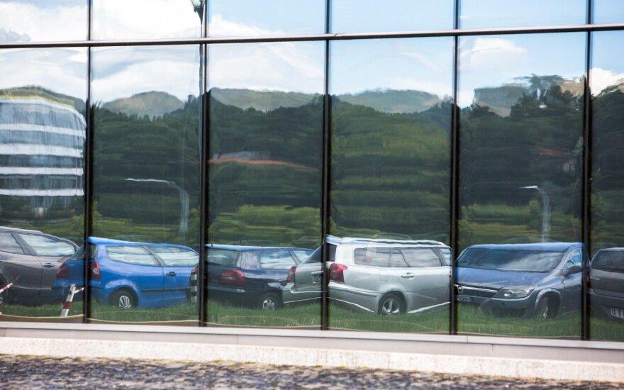 Automobilių stovėjimo aikštelė (asociatyvi nuotr.)