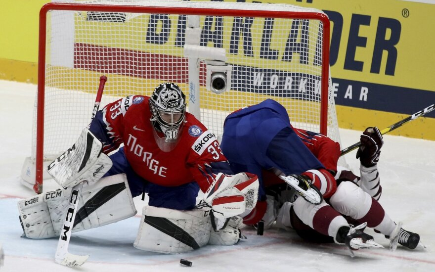 Latviai pasaulio čempionate pranoko norvegus