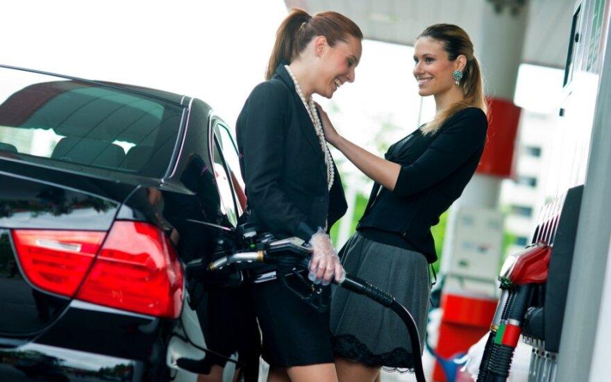 Brangstantys degalai – ne priežastis atsisakyti automobilių