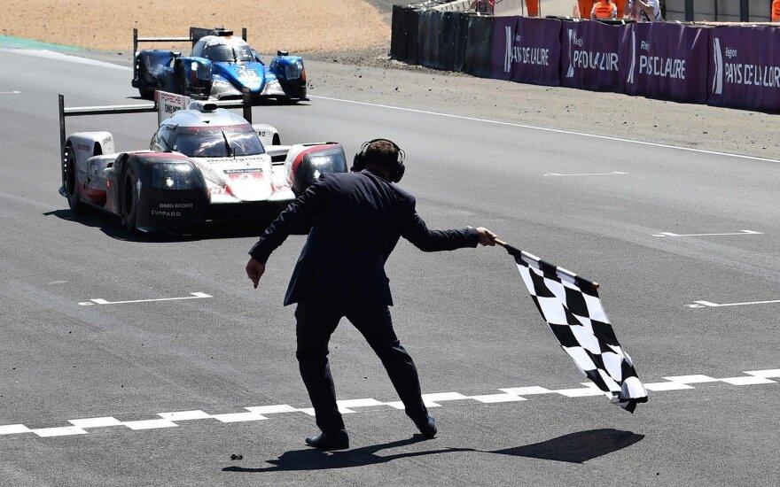 "Le Mano lenktynes vėl laimėjo ""Porsche"" komanda"