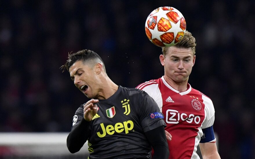 Matthijisas de Ligtas, Cristiano Ronaldo