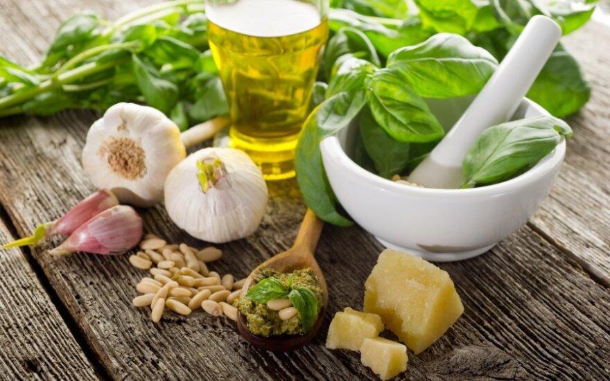 Itališkas žaliasis pesto: kaip gaminti ir su kuo valgyti