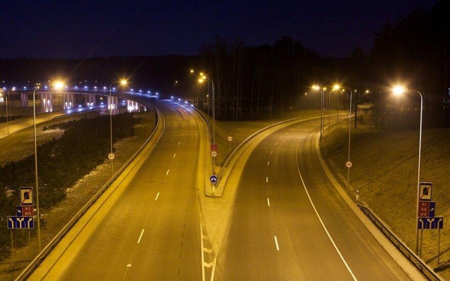Keliuose lijundra ir plikledis: patariama būti itin atidiems