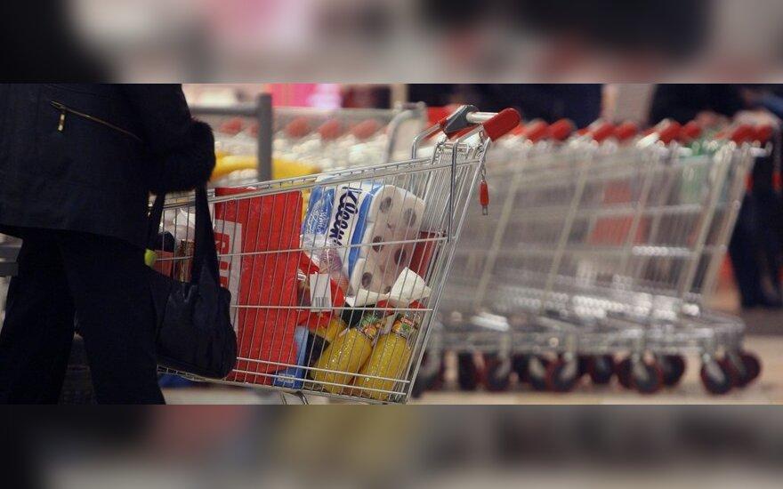 Prekybos centrai rūpinasi daiktų spintelių saugumu, bet atsakomybės kratosi